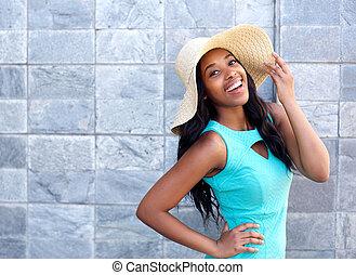 mujer, sol, joven, sonriente, sombrero, feliz