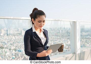 mujer, tableta, empresa / negocio, pc, utilizar, retrato,...