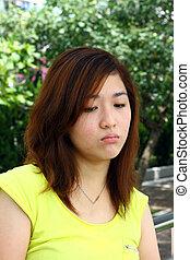 mujer, triste, asiático, cara