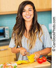 mujer, vegetales, cena sana, cortar, preparando