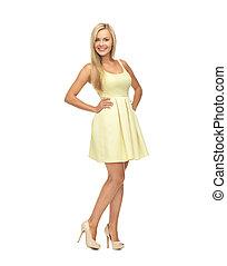 mujer, vestido, amarillo