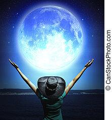 mujer, y, luna llena