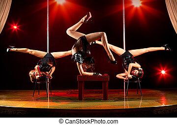 mujeres, acrobático, tres, exposición