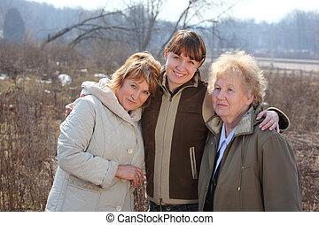 mujeres, de, tres generaciones, de, uno, familia