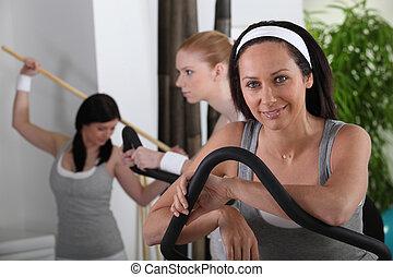 mujeres jóvenes, en, deportes, club