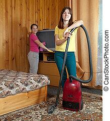 mujeres, limpieza, en, sala