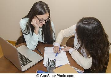 mujeres, mientras, trabajando