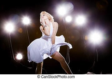 mujeres, vestido blanco