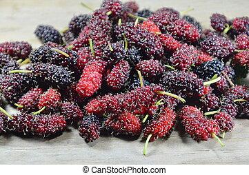 mulberry, på, træagtig planke