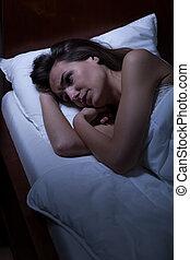 mulher, acordado, mentindo, cama