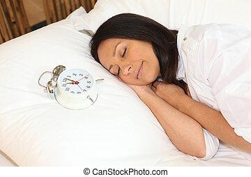 mulher, adormecido, com, alarme