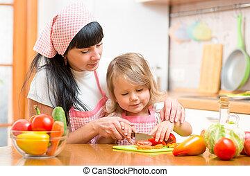 mulher, alimento saudável, preparar, menina, criança