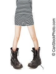 mulher, antigas, couro, botas, singlet, pés, militar, listrado