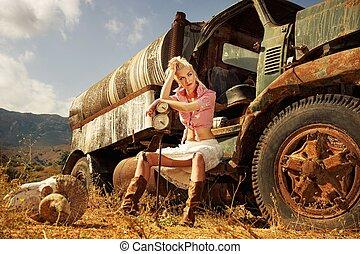 mulher, antigas, sentando, car, atraente, loura