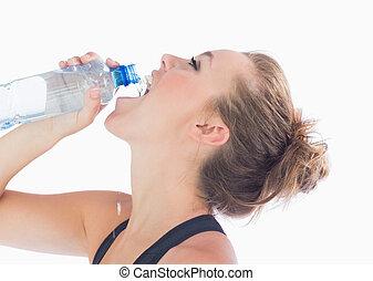 mulher, após, bebendo, malhação