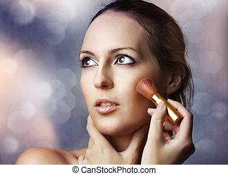 mulher, aplicando, beleza, cosmetics., retrato, excitado