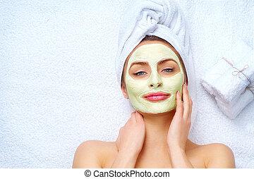 mulher, aplicando, máscara, facial, argila, spa