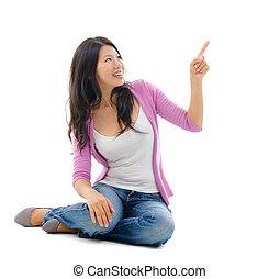mulher aponta, espaço, mão, asiático, em branco