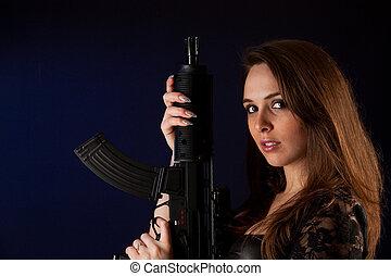 mulher, armas, posar