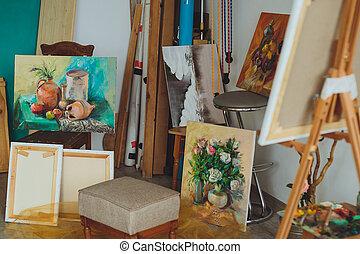 mulher, artista, pintando um retrato, em, um, estúdio