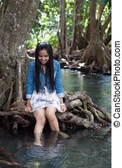 mulher asian, retrato, em, bonito, cena natureza