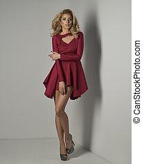 mulher, beleza, jovem, excitado, loiro, vestido, vermelho