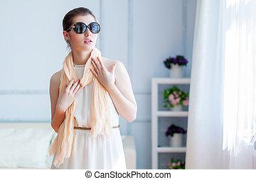 mulher bonita, óculos de sol, jovem