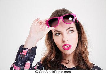 mulher bonita, óculos de sol, pensando, jovem, pensativo