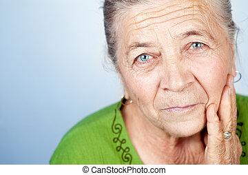mulher bonita, antigas, rosto, conteúdo, sênior