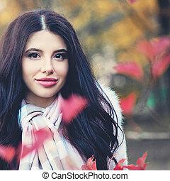 mulher bonita, ao ar livre, parque, outono, outono