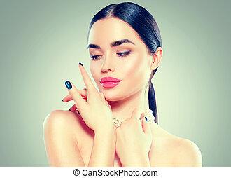 mulher bonita, beleza, dela, face., maquilagem, tocar, moda, morena, luxo, manicure, excitado, modelo, menina
