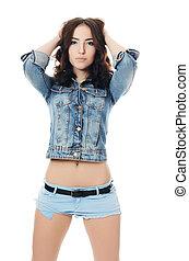 mulher bonita, calças brim, shorts
