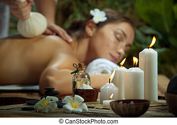 mulher bonita, candles., jovem, environment., focalizado, retrato, spa