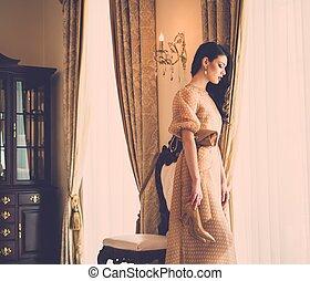 mulher bonita, casa, jovem, janela, luxo, interior