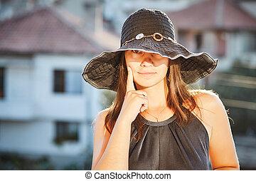 mulher bonita, chapéu
