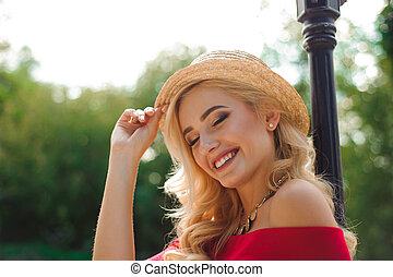 mulher bonita, cima, jovem, fim, loiro, chapéu
