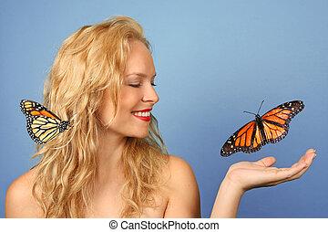 mulher bonita, com, borboletas, em, dela, mão, e, cabelo