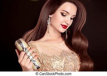 mulher bonita, com, longo, cabelo ondulado