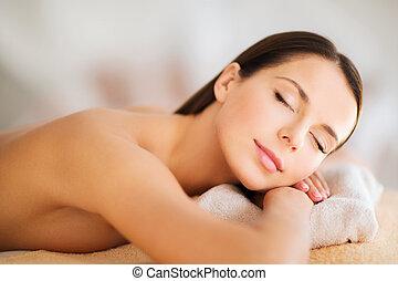 mulher bonita, com, olhos fechados, em, spa