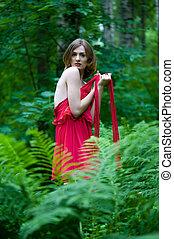 mulher bonita, com, pelado, costas, em, verão, floresta