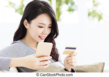 mulher bonita, crédito, jovem, cartão telefone, esperto
