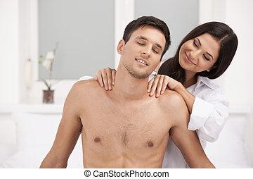 mulher bonita, dela, par., jovem, fazer, amando, massagem, namorado