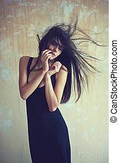mulher bonita, desenvolvendo, jovem, cabelo, sensual