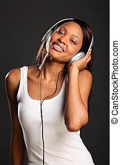 mulher bonita, desfrutando, música