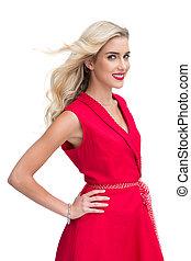 mulher bonita, desgastar, vestido vermelho, sorrindo, câmera