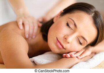 mulher bonita, em, spa, salão, começando massage