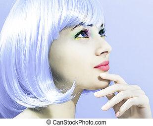 mulher bonita, em, um, luminoso, roxo, peruca