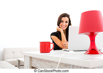 mulher bonita, felizmente, laptop, jovem, usando, lar