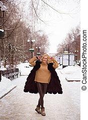 mulher bonita, inverno, parque, jovem, loiro