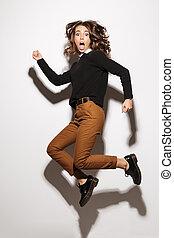 mulher bonita, isolado, chocado, espantoso, posar, jumping.